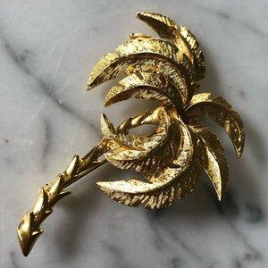 🔥 Vintage Gold Tone Palm Tree Brooch